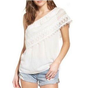 Socialite off one shoulder crochet knit blouse